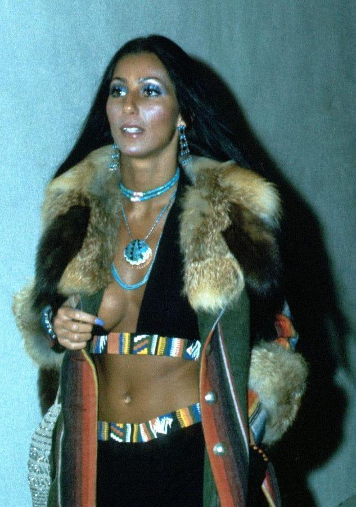 Cher hot side boobs pics