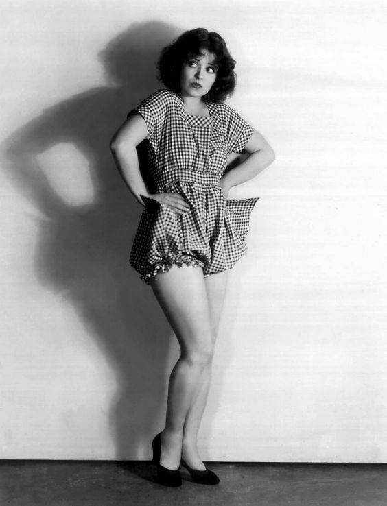 Clara Bow sexy thigh pics
