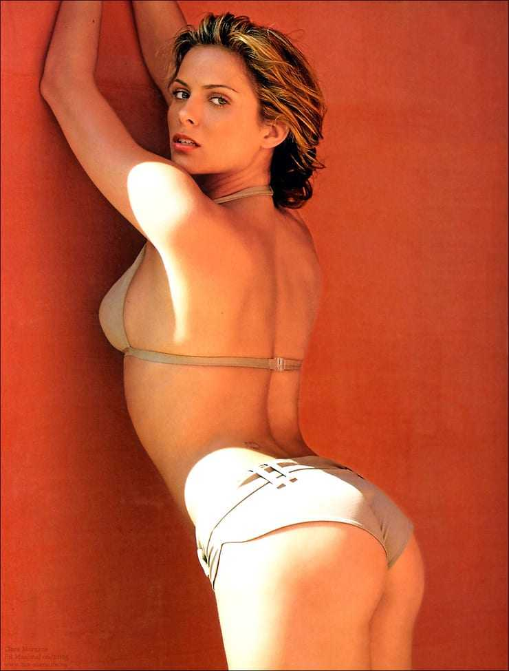Clara Morgane sexy ass pics