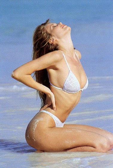 Claudia Schiffer big busty pics