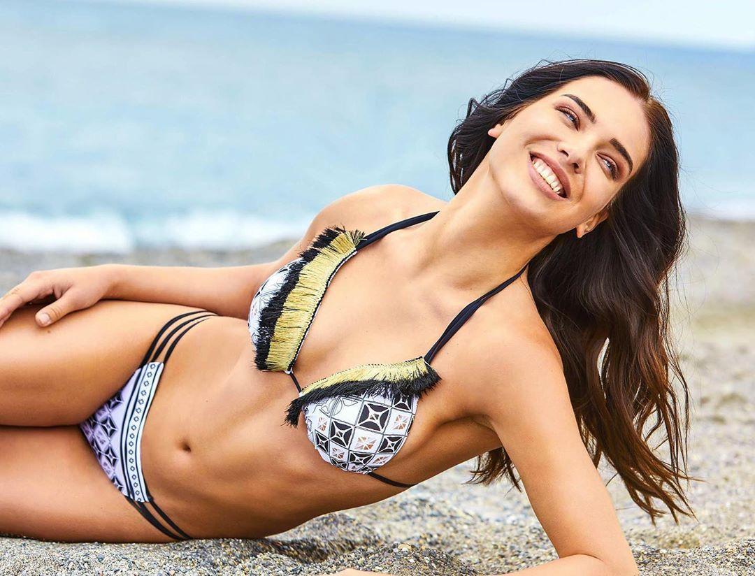 Dasha Dereviankina bikini pics (2)