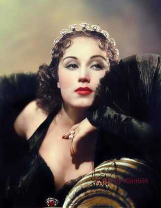 Fay Wray cleavage pics