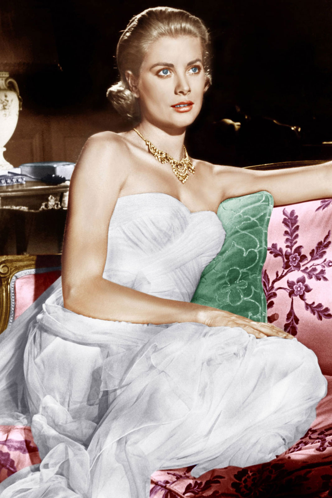 Grace Kelly cleavage pics