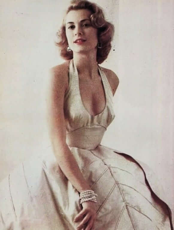 Grace Kelly sexy cleavage pics