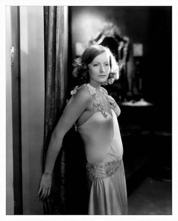 Greta Garbo hot look pics
