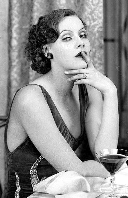 Greta Garbo sexy pictures