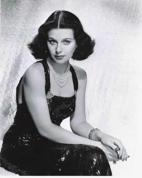 Hedy Lamarr big busty pics