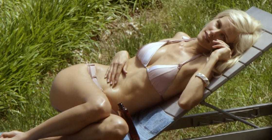Isabel Lucas hot bikini pics (2)