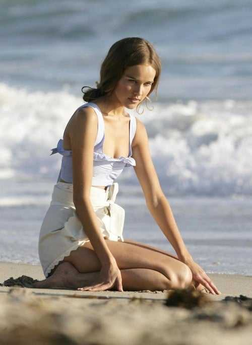 Isabel Lucas sexy pictures