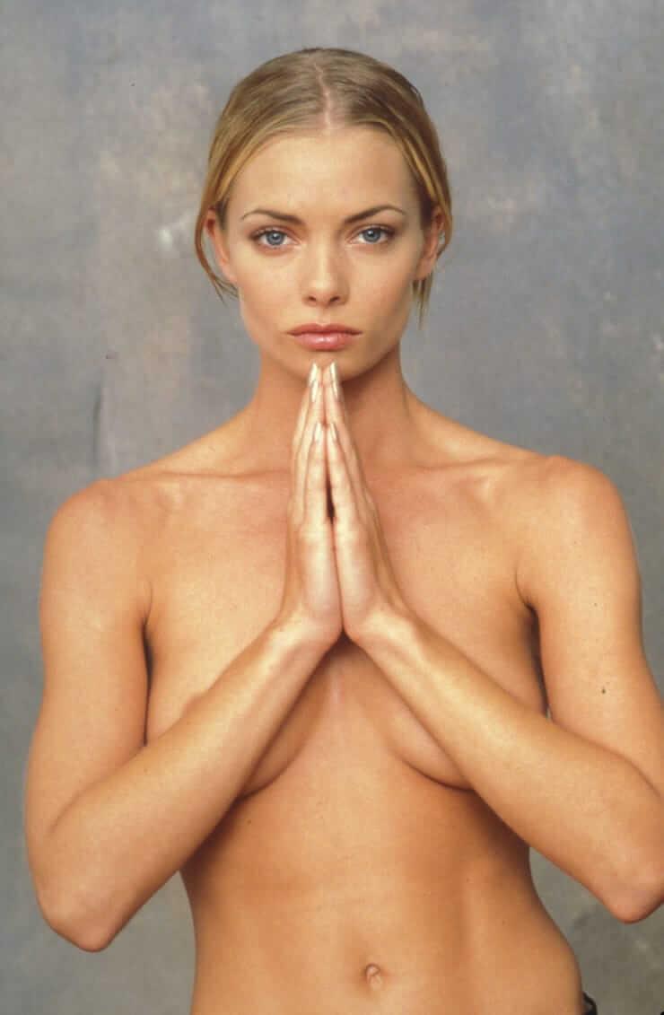 Jaime Pressly naked pics