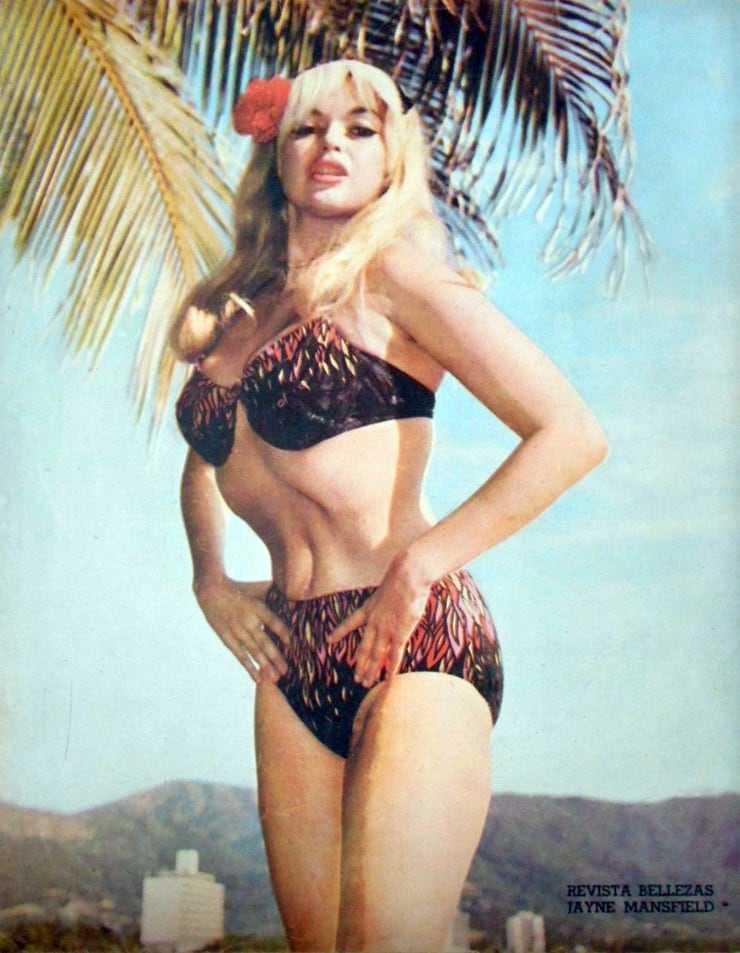 Jayne Mansfield sexy bikini pics