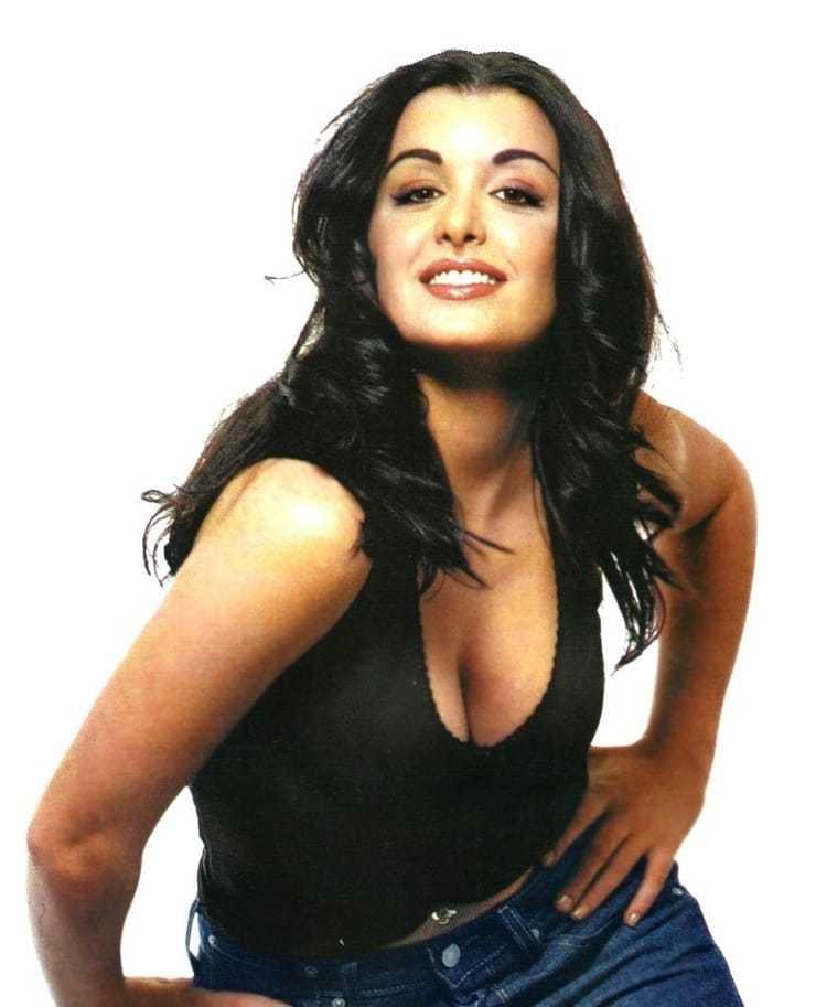 Jenifer Bartoli cleavage pictures