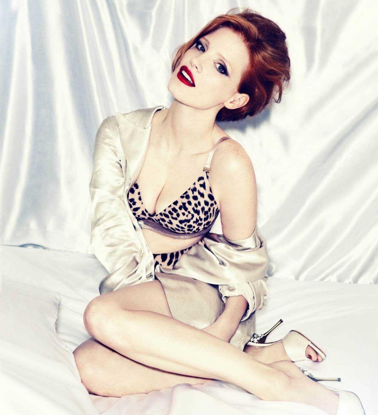 Jessica Chastain sexy boobs pics