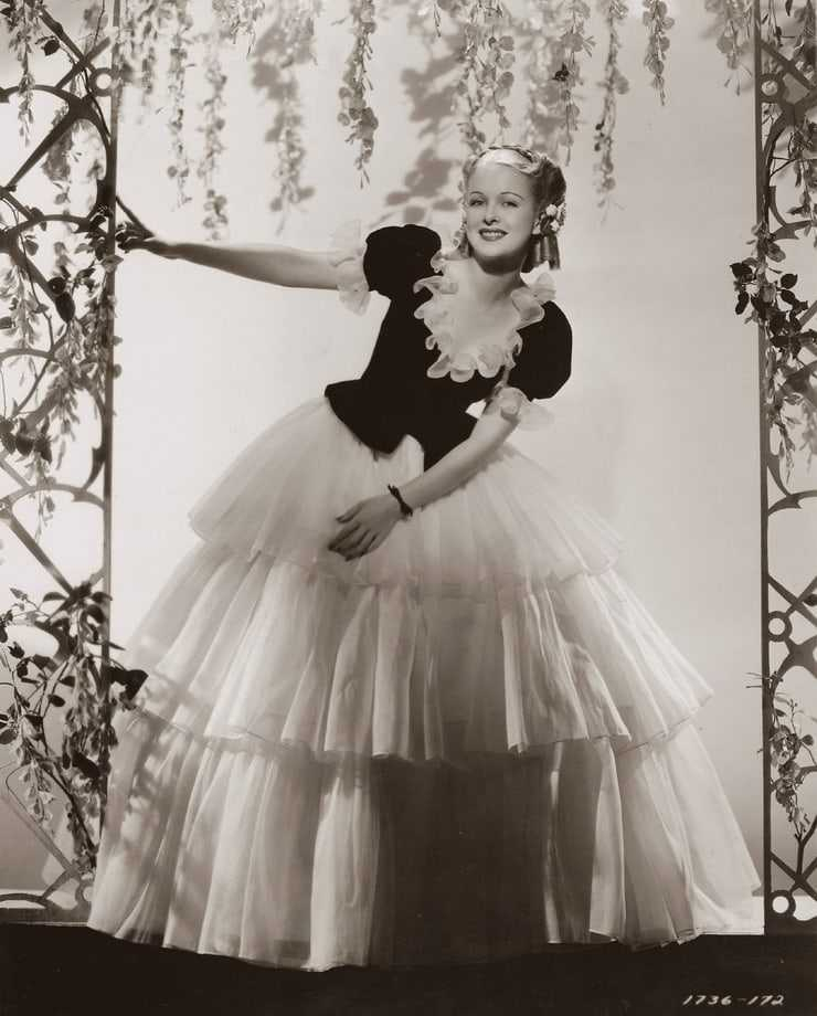 Joan Bennett busty pics