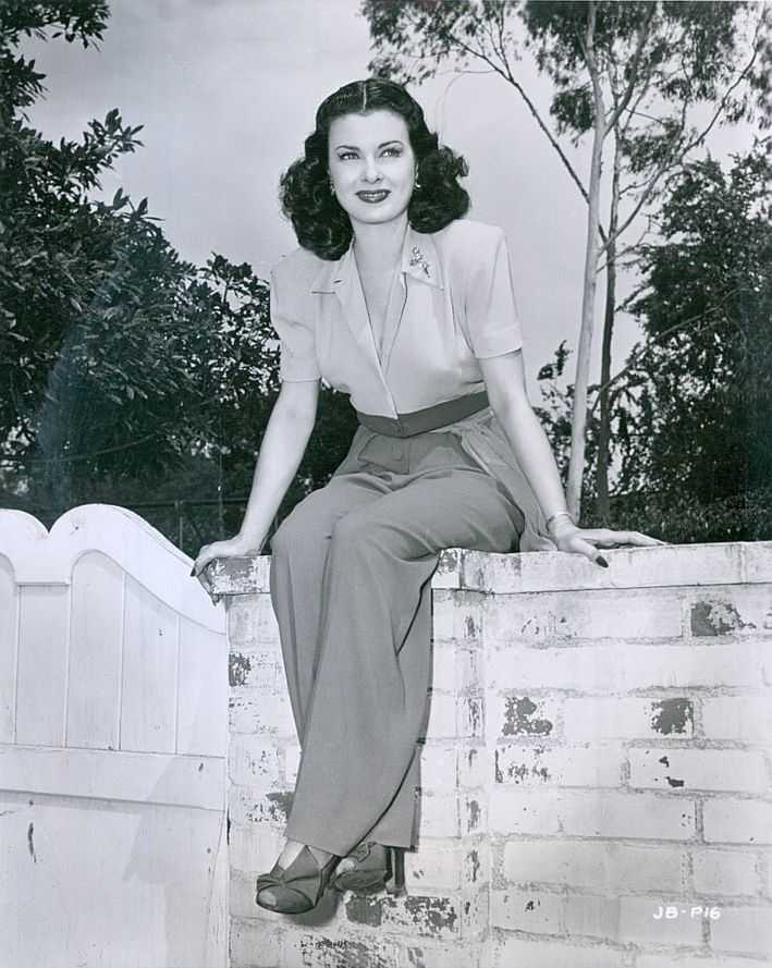 Joan Bennett hot pic
