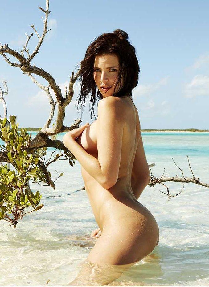 Julia Lescova naked pics