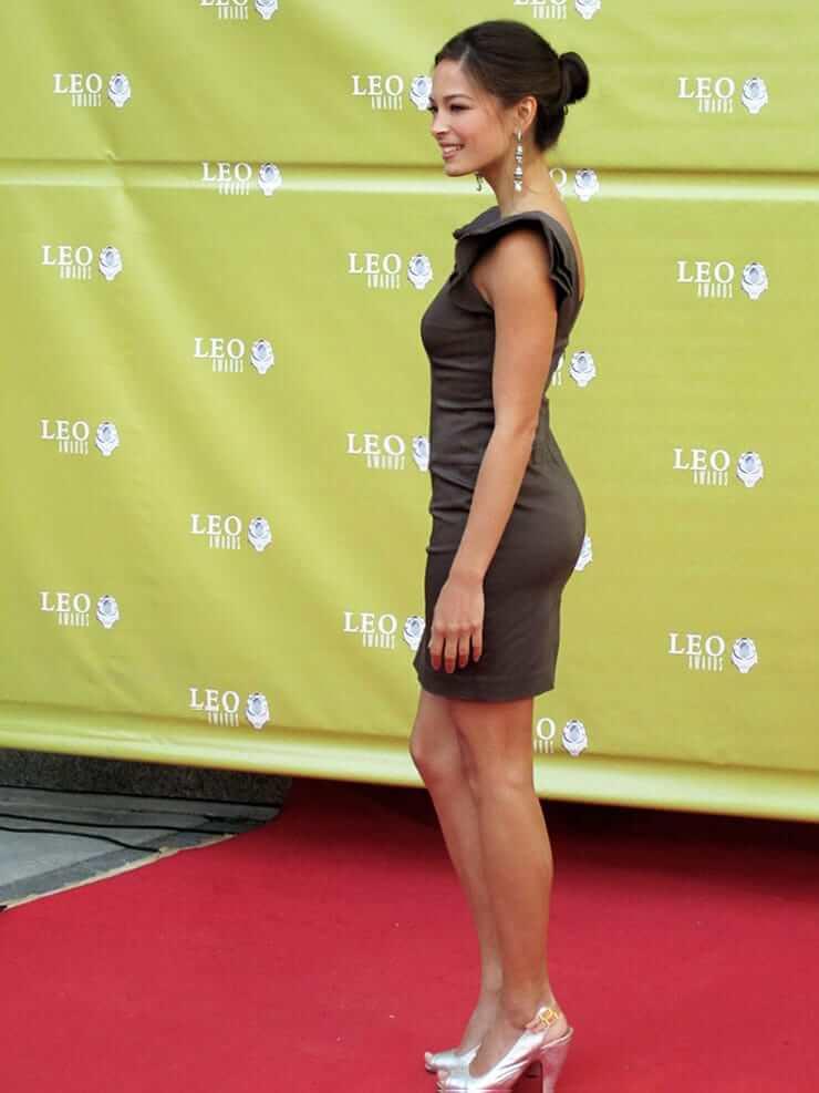 Kristin Kreuk amazing ass pic