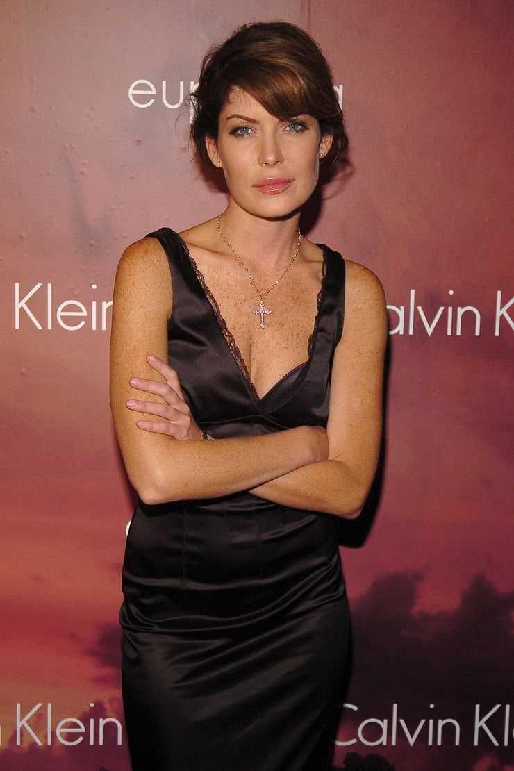 Lara Flynn Boyle amazing pictures