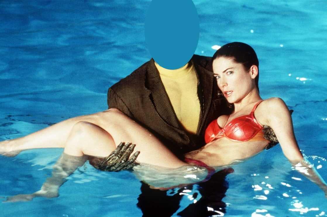 Lara Flynn Boyle hot bikini pics