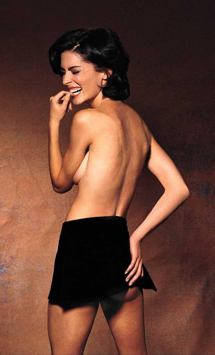 Lara Flynn Boyle naked pics