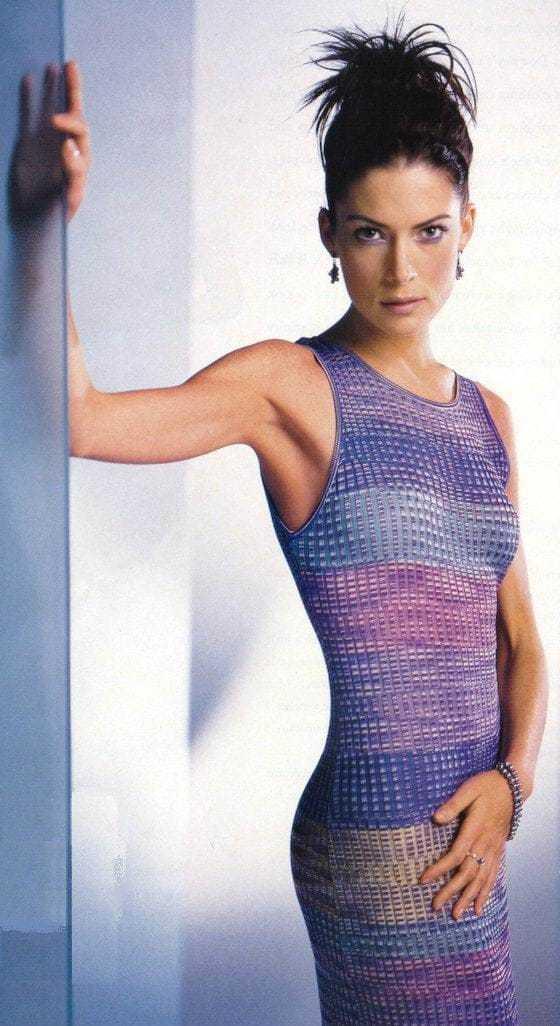 Lara Flynn Boyle topless pics