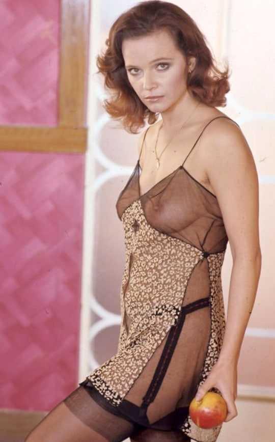 Laura Antonelli sexy look pics