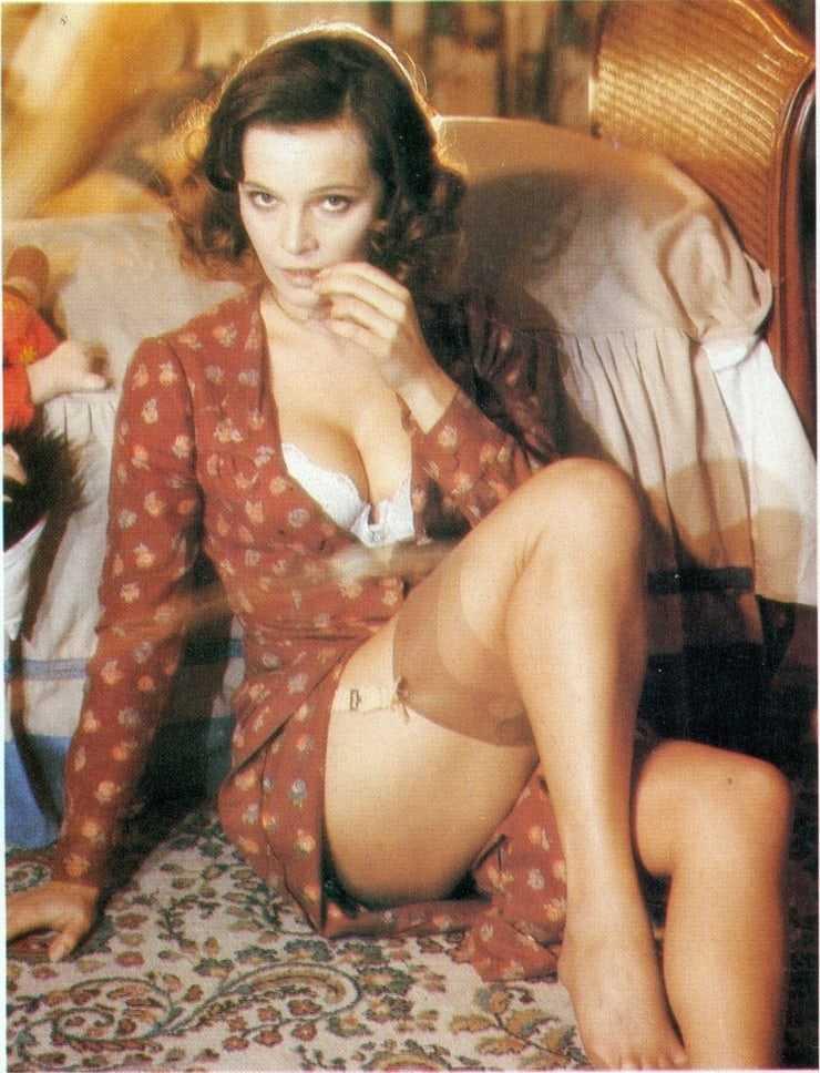 Laura Antonelli sexy pictures