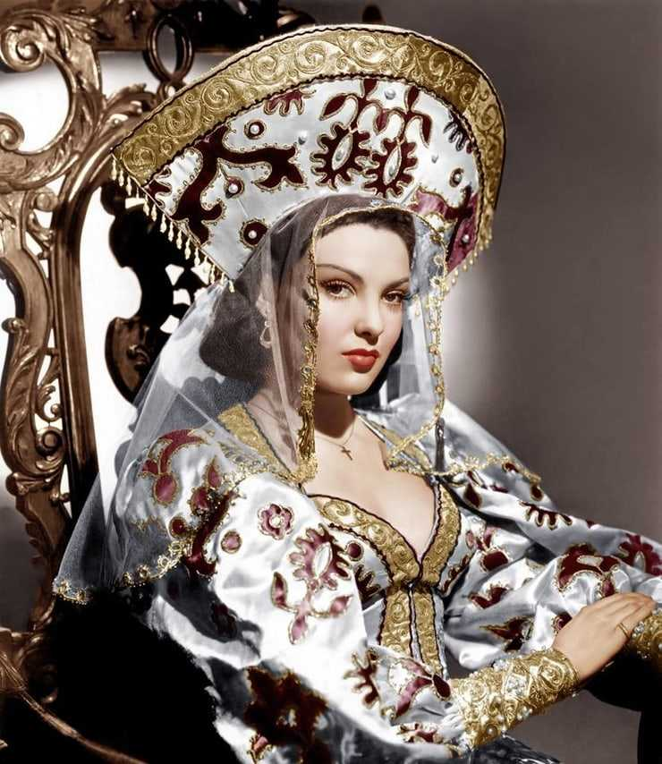 Linda Darnell sexy tits pictures