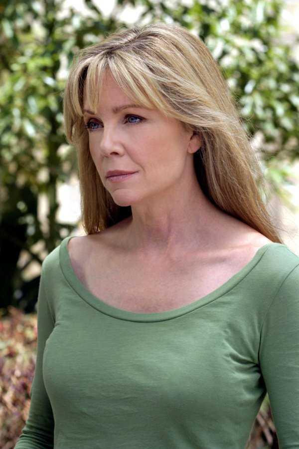 Lisa Hartman  nackt