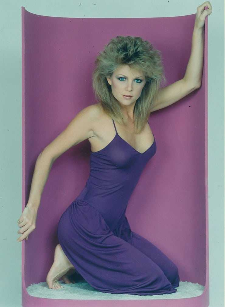 Lisa Hartman Black big busty pictures