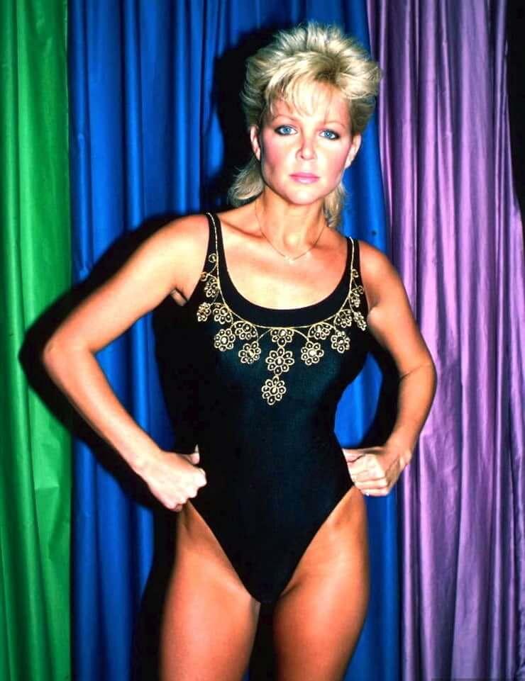 Lisa Hartman Black lingerie pics