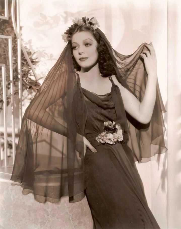 Loretta Young topless pics
