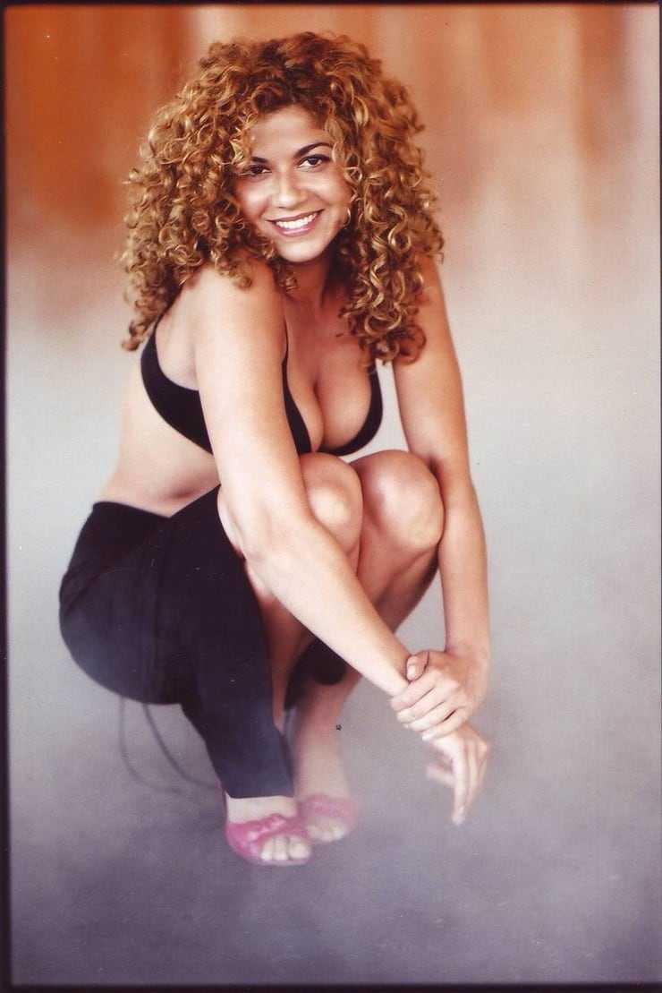 Luciana Carro hot look pics