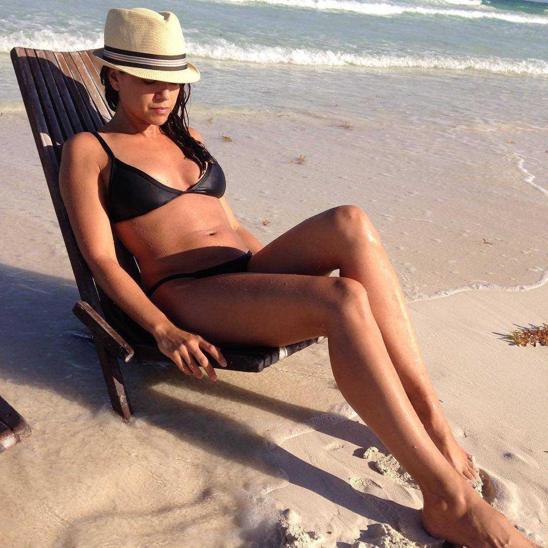 Luciana Carro sexy look pics