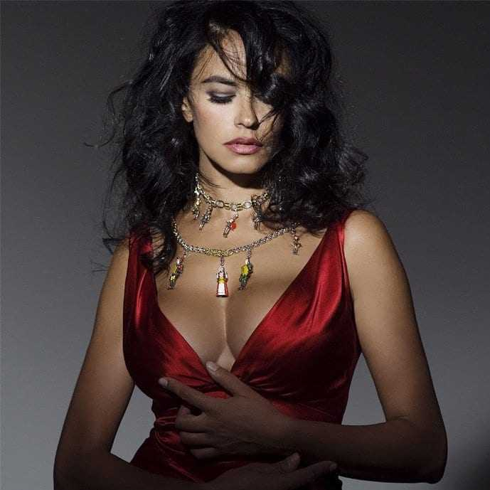 Maria Grazia Cucinotta big boobs pics