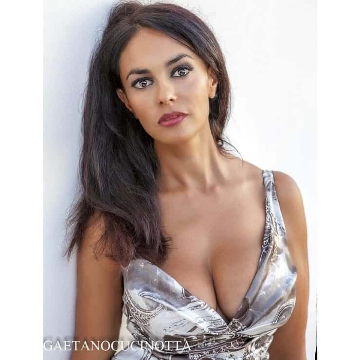 Maria Grazia Cucinotta sexy tits pics