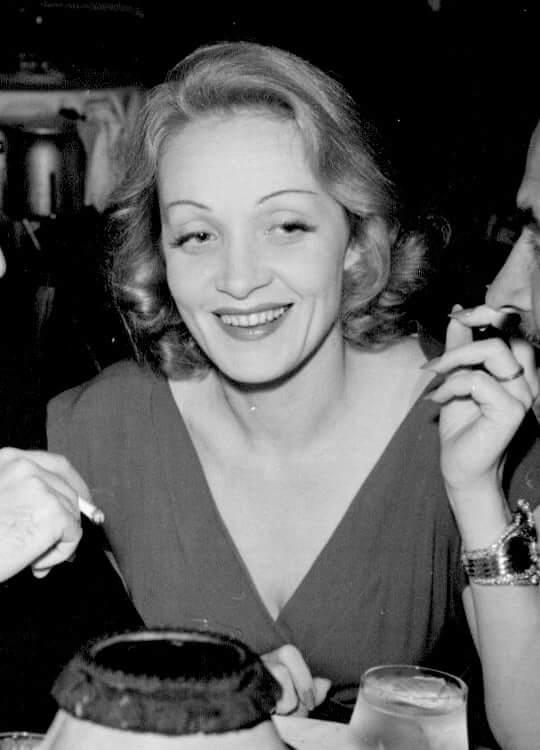 Marlene Dietrich cleavage pics