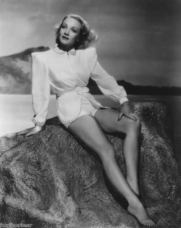 Marlene Dietrich sexy feet pics