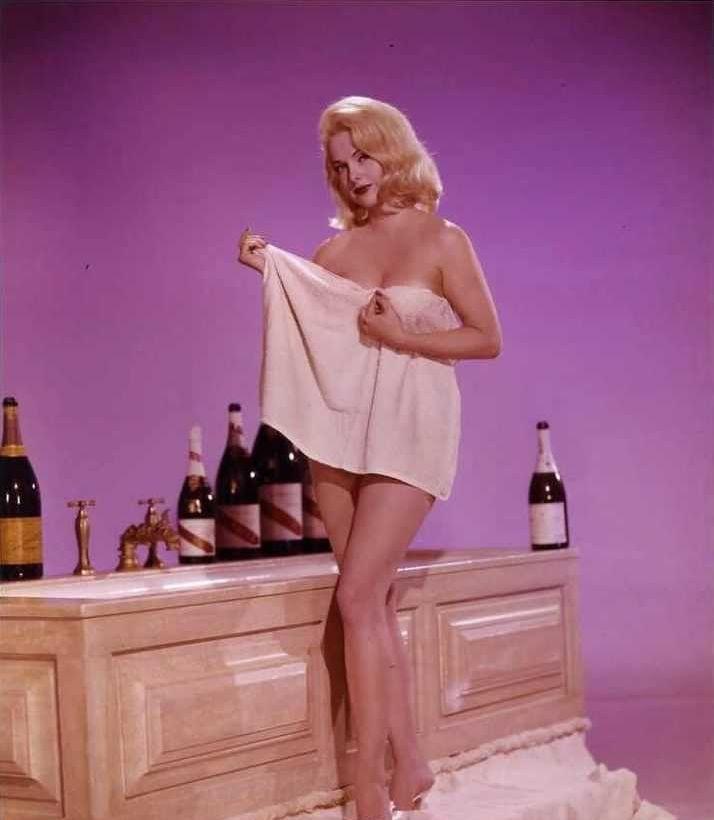 Martha Hyer near nude pics