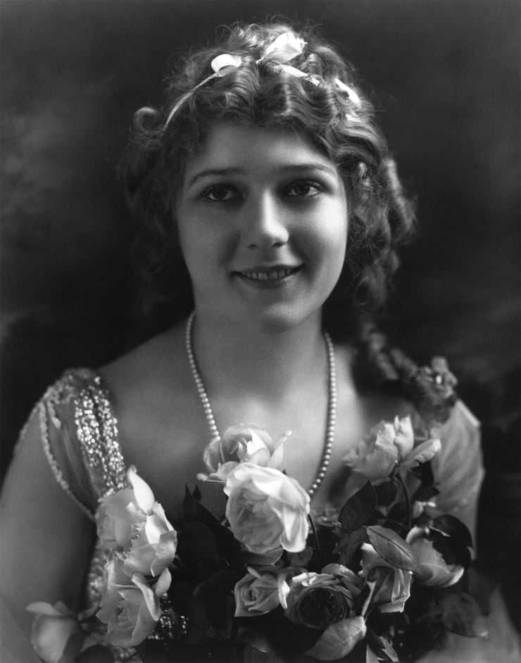 Mary Pickford big busty pics