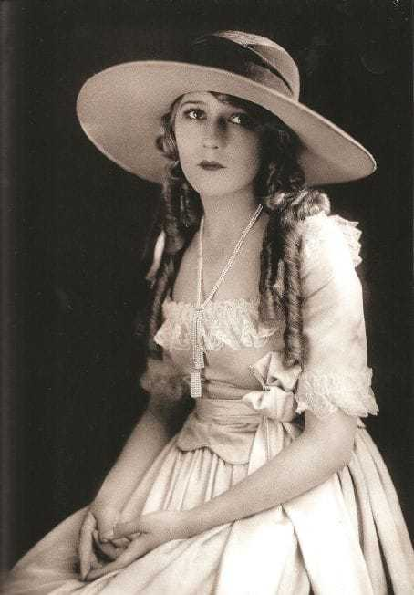 Mary Pickford sexy images
