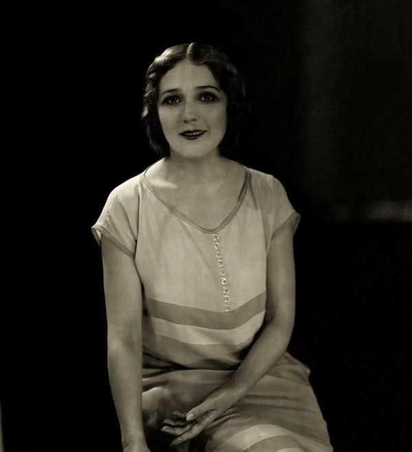 Mary Pickford sexy look pics