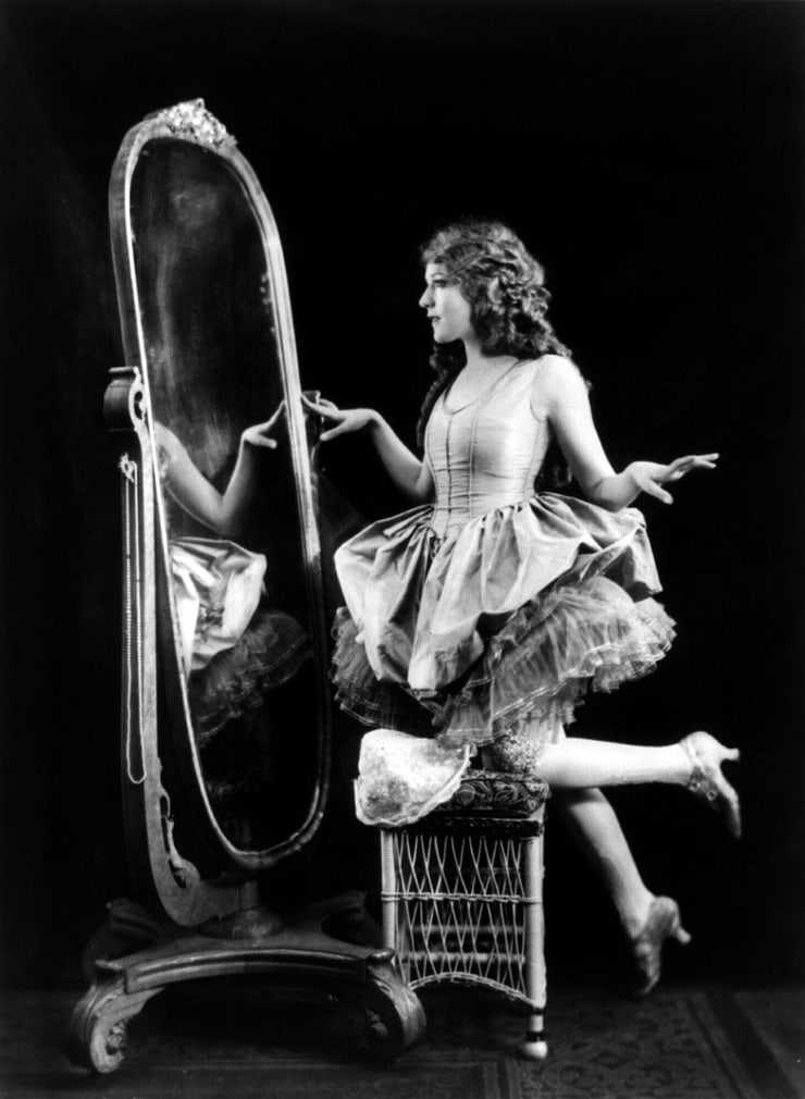 Mary Pickford sexy pictures
