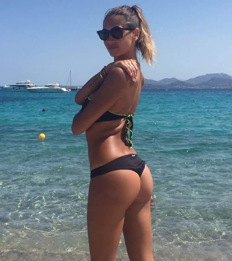 Melissa Satta sexy ass pics