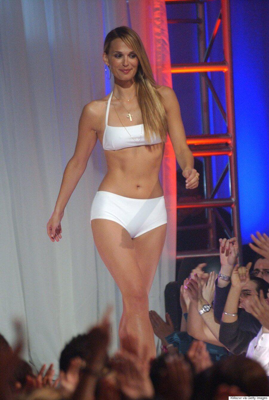 Molly Sims hot bikini pics