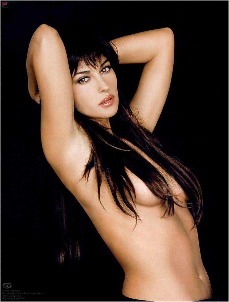 Monica Belucci boobs pics