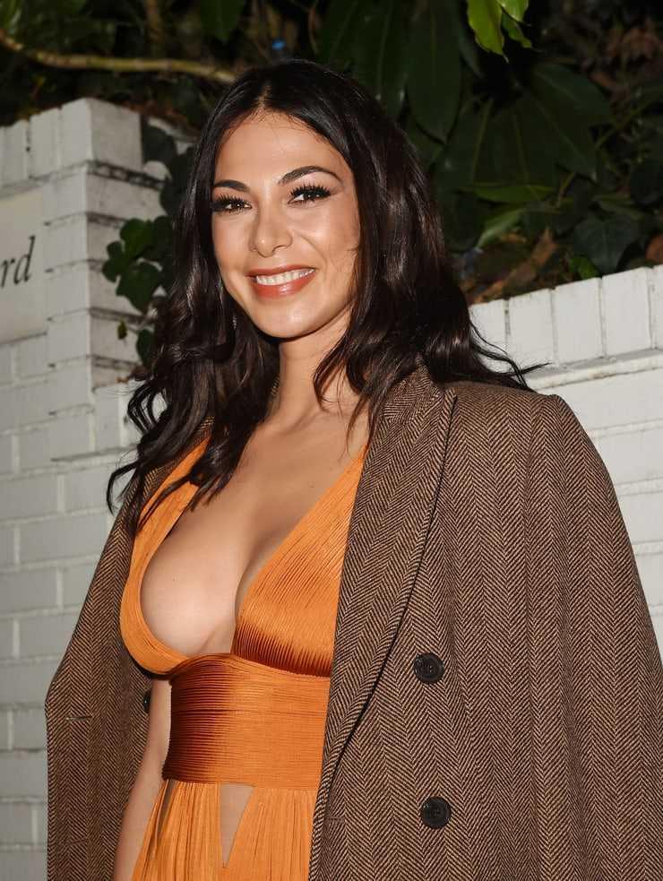 Moran Atias amazing tits pics