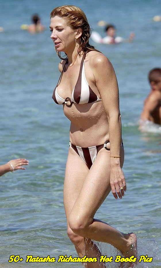 Natasha Richardson hot boobs pics