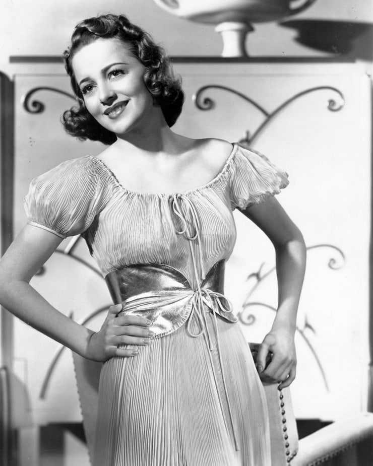 Olivia de Havilland big busty pics