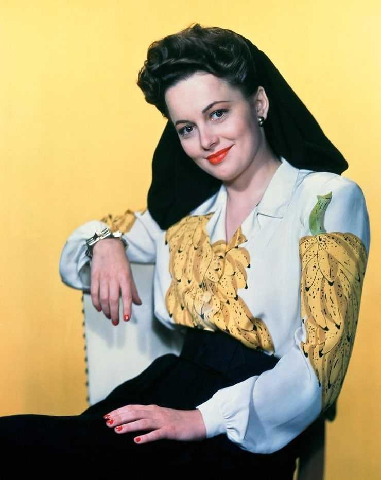 Olivia de Havilland hot look pics
